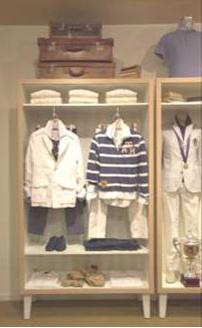1272b3f7ff87 На фото 1 (слева) мы не видим красивого и интересного комплекта  только  куртка и джинсы черного цвета – непривлекательно, и, скорее всего, рубашку  к этому ...
